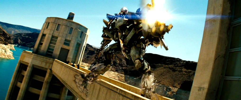 imagem do filme transformers, que teve como locação a represa hoover