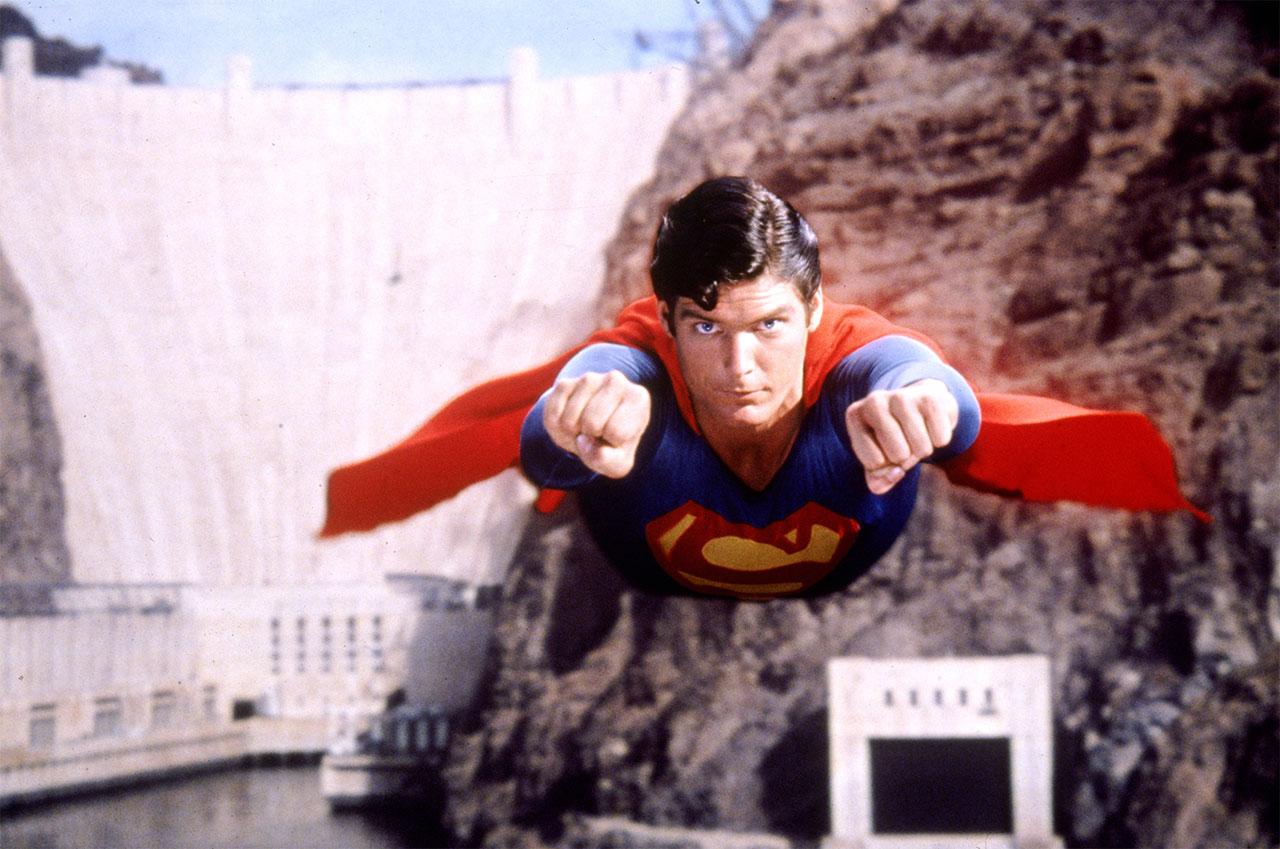 imagem do filme superman, que teve como uma de suas locações a represa hoover dam