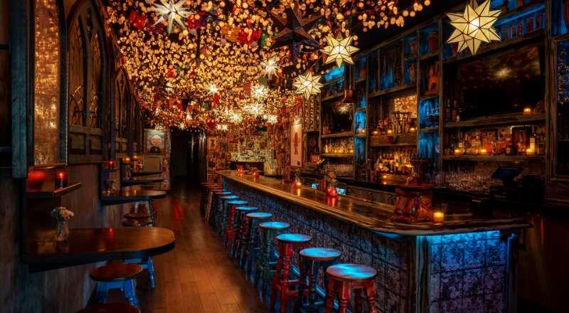 um dos bares em las vegas para voce beber drinks extraordinarios